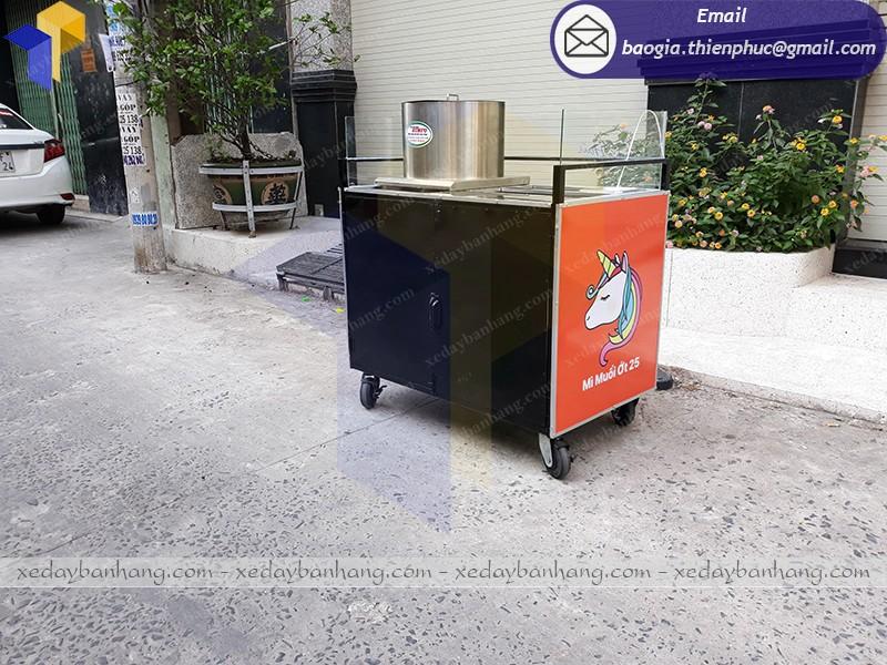 quầy bán thức ăn nhanh hcm
