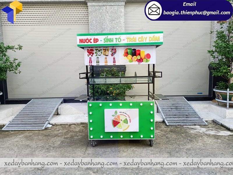tủ bán nước ép sinh tố