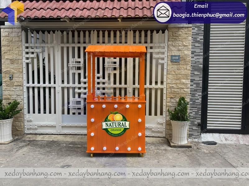 xe bán nước cam bằng gỗ natural