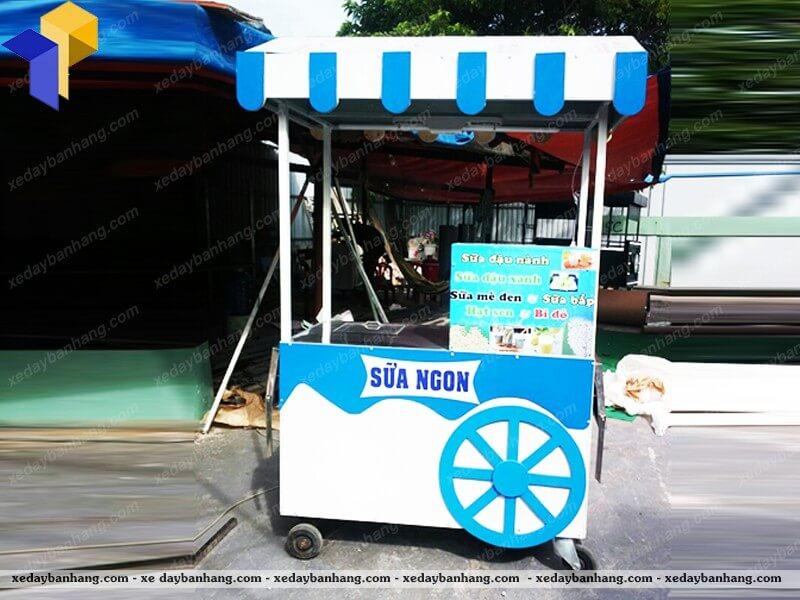 xe bán sữa nước giải khát